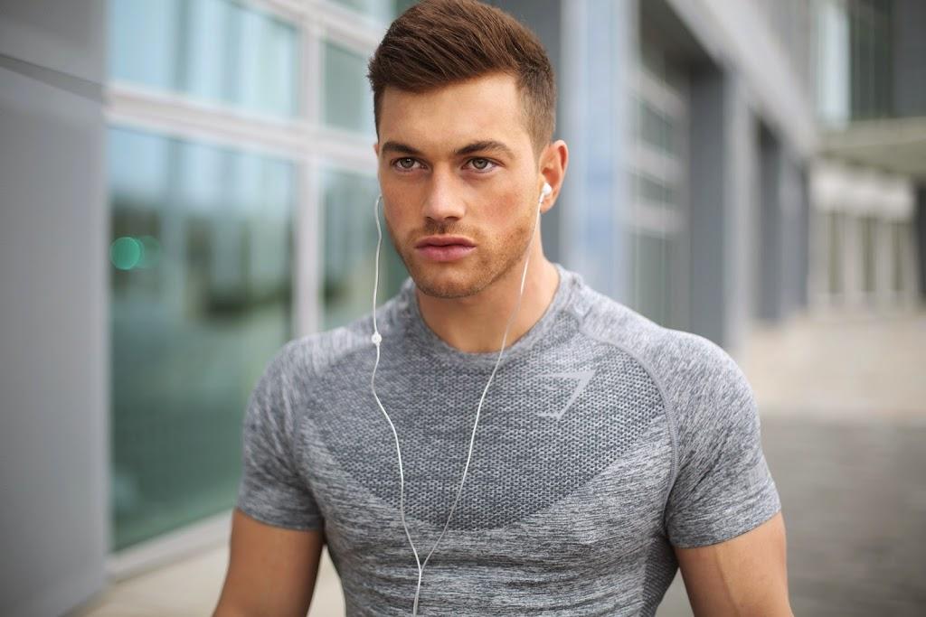 t shirt fitness nike